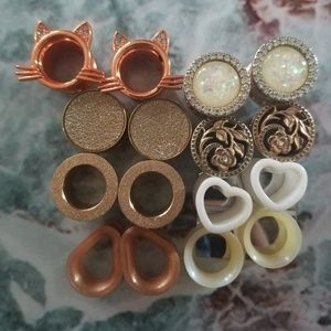 8 pairs of 1/2 inch Plugs